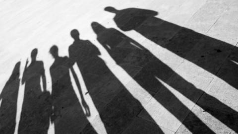 De los JASP a los NiNi. 20 años de etiquetas a la juventud española