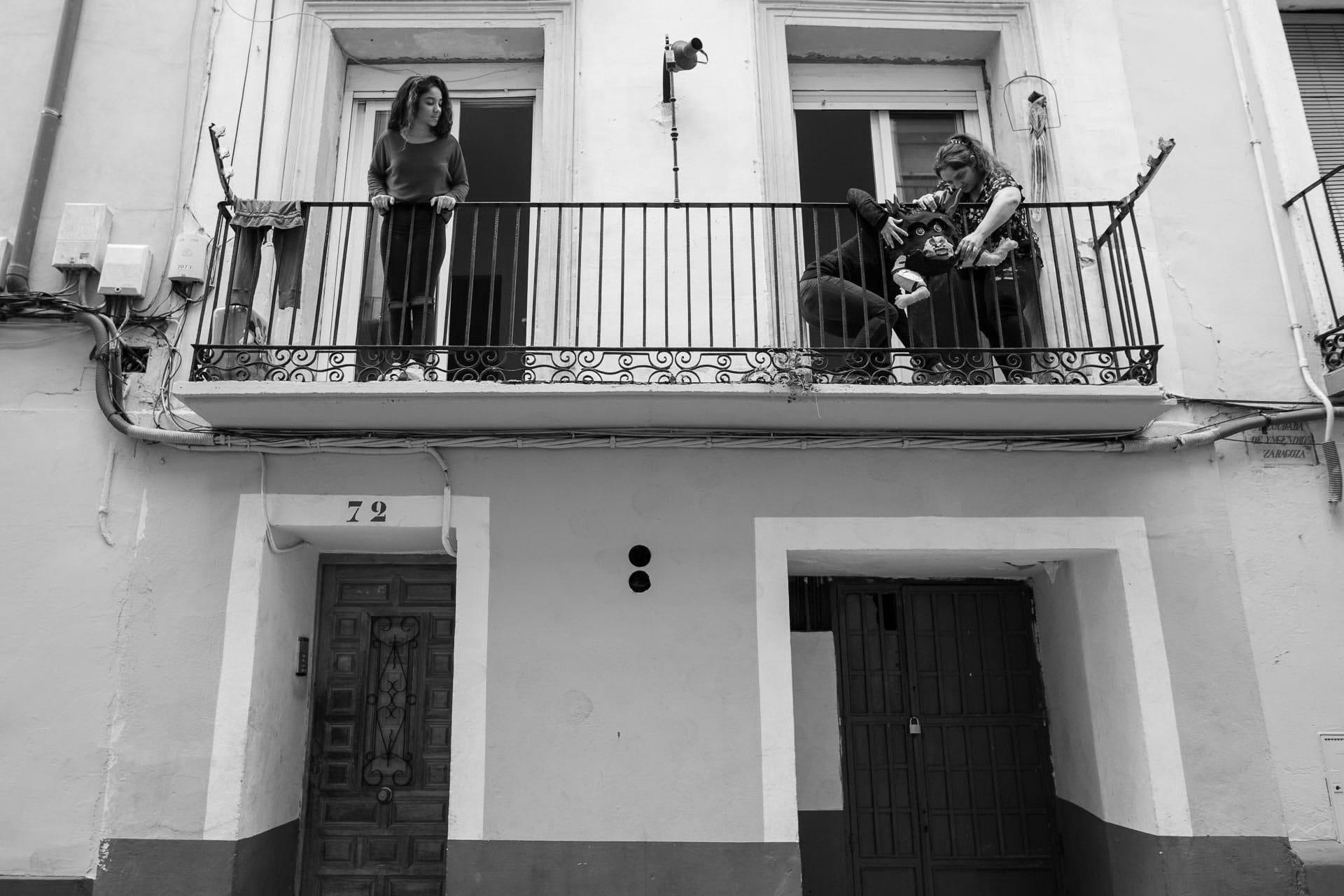 'Seres de cambio', alebrijes en los balcones del barrio del Gancho